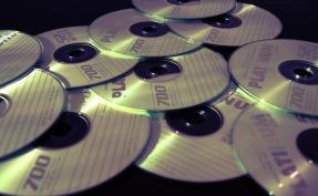 cd-628667_1920